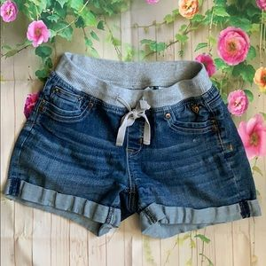 Justice girls jean shorts size 12/Small